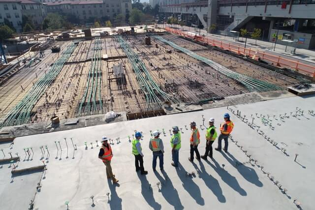 workers-at-construction-site
